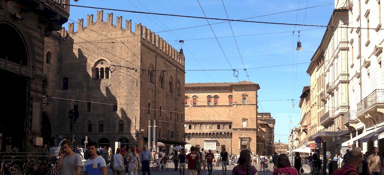 Uffici informazione turistica e pro loco a bologna e provincia for Dormire a bologna centro storico